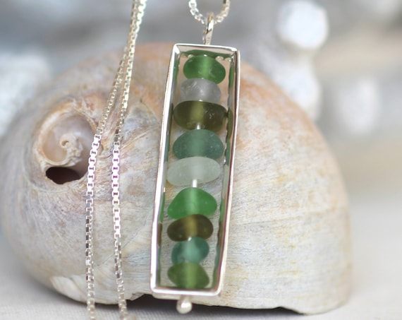 The Mariner sea glass necklace in green