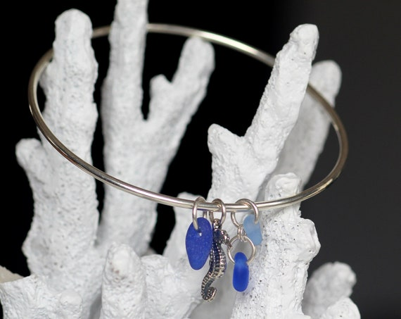 Little Seahorse sea glass bracelet in ocean blues