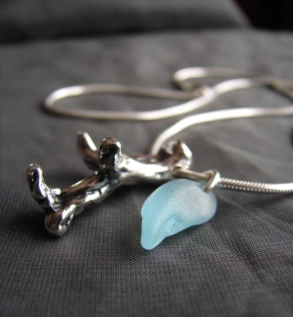 Coral Sea beach glass necklace in aqua