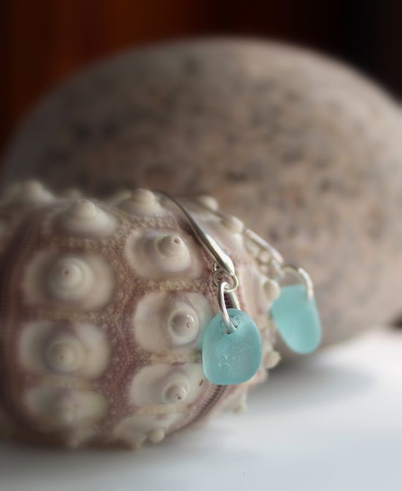 Horizon sea glass earrings in aqua