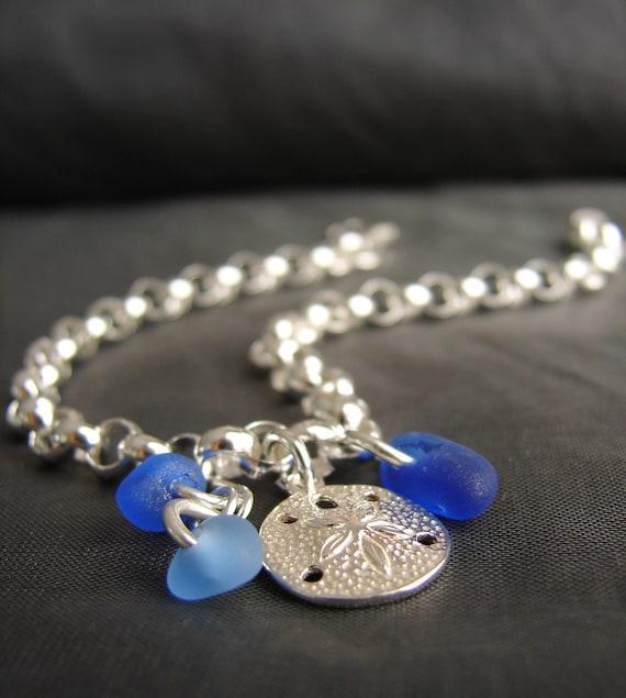 Little Sand Dollar sea glass bracelet in ocean blues
