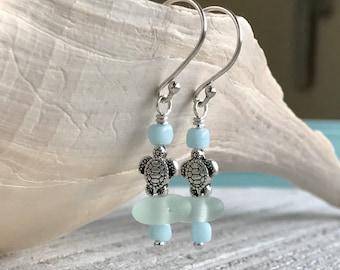 Sea glass earrings - Sea glass jewelry - Turtle earrings - Boho style - Beach lover gift - Real sea glass - Boho fashion - Gift for Mom