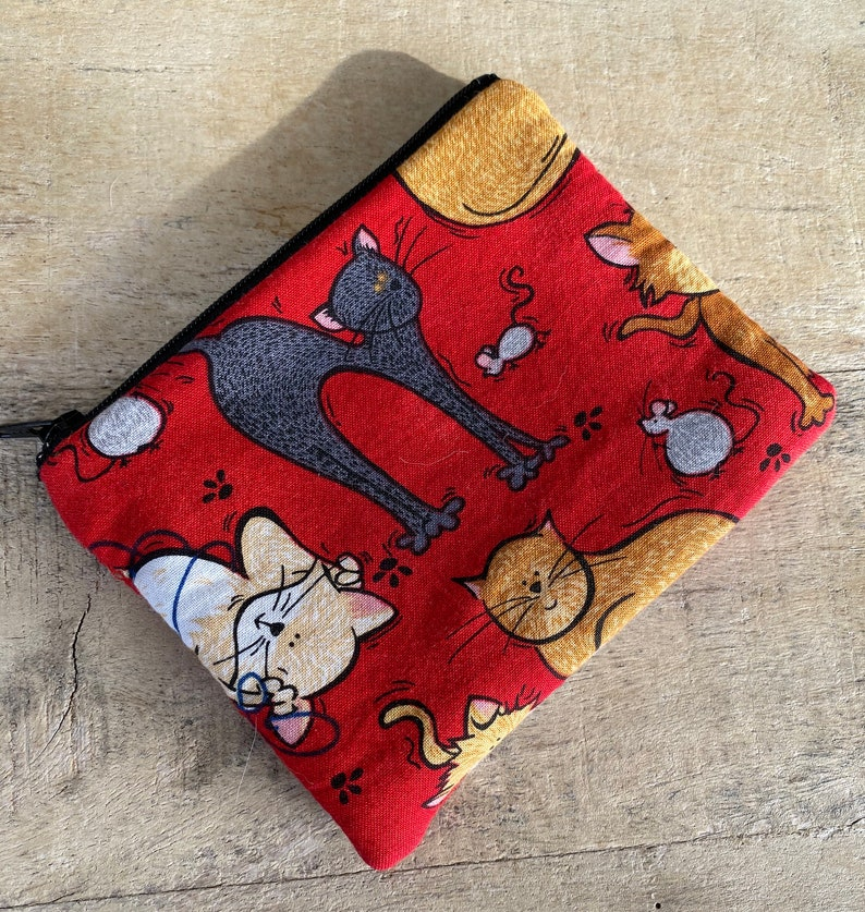 small cell phone change purse cat and mouse image 0