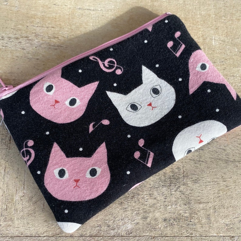 small cell phone change purse kitty opera image 0