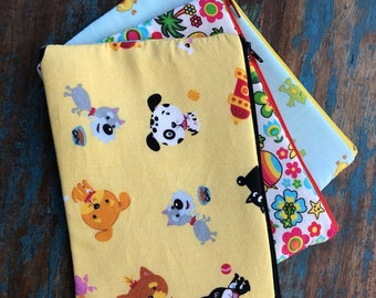 medium zipper pouch the animals in my yard