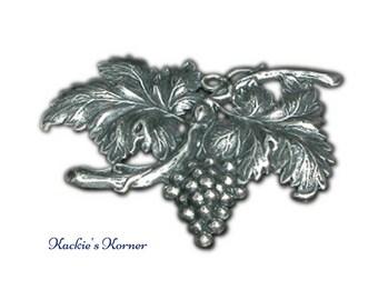 Grape Medallion Large