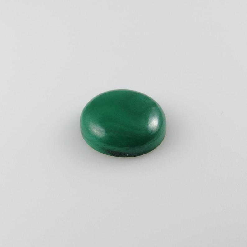12.30 cts Round Flat-Back Gemstone Cabochon M138 15x15 Malachite