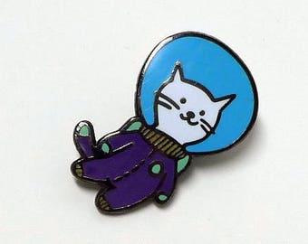 Feeping Creatures enamel pin - Buzz Nyaldrin Catstronaut - Cat in Space