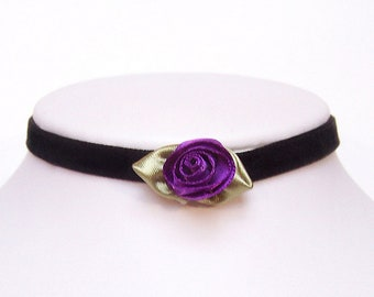 Victorian velvet choker necklace with elegant purple rose bud Steampunk - AMELIA
