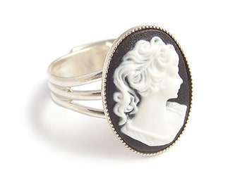 Victorian gothic black and white cameo ring - Portrait of a lady - Adjustable silver steampunk