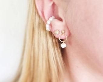 Petite pearl huggie cuff earrings. Minimalist 14K goldfill freshwater pearl hoop ear cuffs. Pearl ear cuffs. Mini pearl huggie hoops.