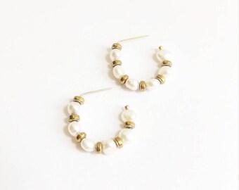 Minimalist white baroque pearl hoop earrings. White natural pearl hoops. Pearl hoop earrings. 14K goldfill hoop earrings. 14K goldfill pearl