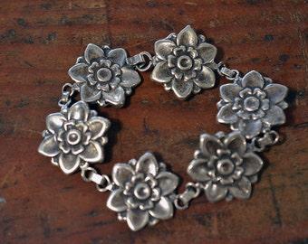 Vintage Blossom Linked Bracelet in Sterling Silver