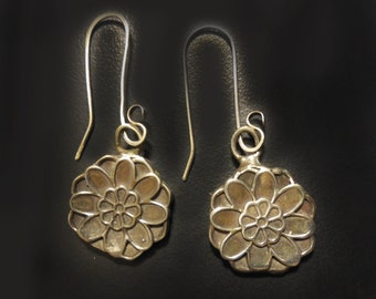 Zinnia Flower Earrings in White or Gold Bronze