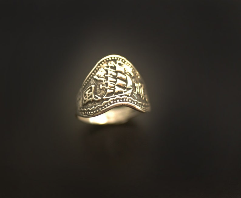 10K Pirate Ship Sea Galleon Ring image 0