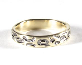 Solid Slim Gold Leopard Wedding Ring With Black/Grey Rhodium Detail
