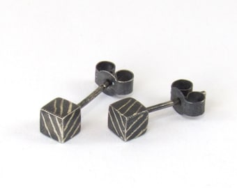 Black Striped Cube Stud Earrings