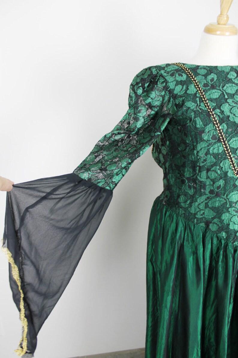 fd1cc94cfe4b31 Emerald Green Gown. Womens Green Renaissance Dress. Womens | Etsy