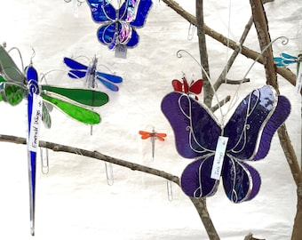Vous choisissez n'importe quelle couleur - 3D vitrail libellule pirouette - moyenne maison et jardin Suncatcher suspendus Nature insectes ornement (FAIT à la COMMANDE)