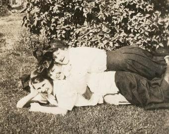 vintage photo Famous Hanna Triplets Body Sandwich in Grass Ida Iva & Eva Grown up