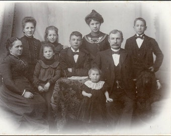 vintage photo FAmily of 7 children & Parents Aalborg Denmark cabinet