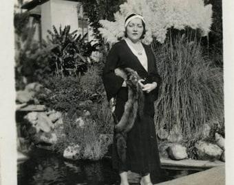 vintage photo 1930 California Dreamer Fox Fur Flapper Woman in Los Angeles Park