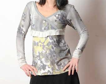 Grey jersey top, Womens grey and green floral top, Long womens top, Womens clothing, Grey womens top, V-neck top, MALAM, size UK 10