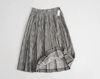 textured skirt | box pleat skirt | tweed midi skirt