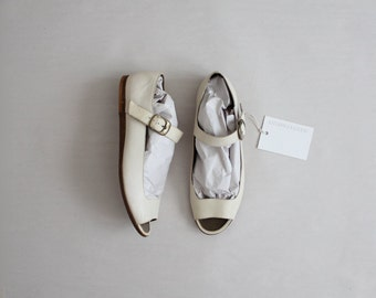 cream leather flats | size 7.5 flats | mary jane flats