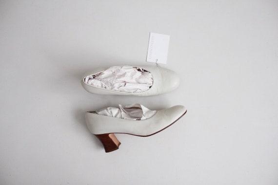 chalk white heels | minimalist heels 7.5 | white l