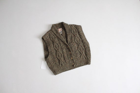 marled wool sweater vest | moss green sweater | ch