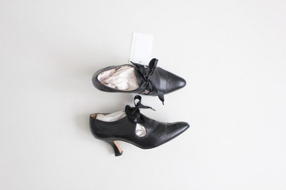 black victorian oxfords | oxford heels 6.5 | wingt
