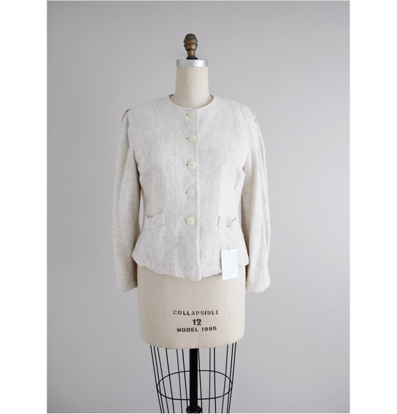 beige linen blazer | feminine blazer | texture bei