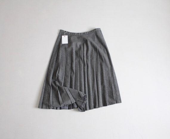 gray wool skirt | pleated wool skirt | full pleate