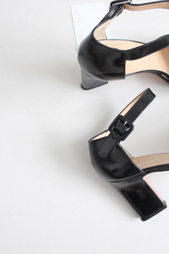poli cuir à talons 8.5 | | Escarpins Calvin Klein | | cheville sangle blocs talons 9 00ce2e