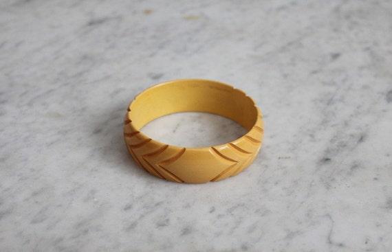 1940s Octagonal Bakelite Bangle Bracelet