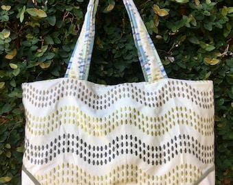 Neutral wave pattern large tote bag