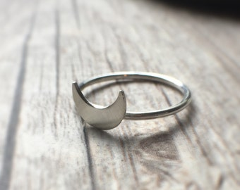Moon Ring Crescent Moon Midi Ring Silver Ring Moon Goddess Ring Priestess Ring Lunar Jewelry Knuckle Ring Stackable Ring Dainty Ring