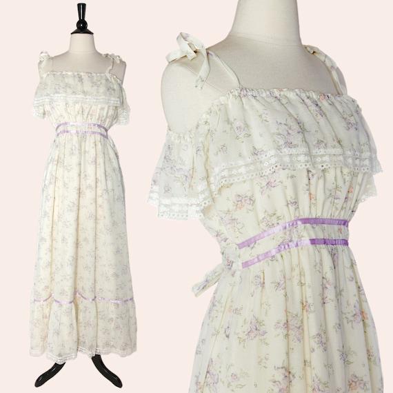 Vintage 70s Floral Maxi Dress / Cream Floral Maxi