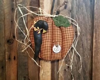 Folk Art | Pumpkin | Crow | Raven | Fall Autumn Decor | Decoration | Handmade | Wall Hanger