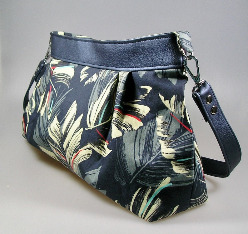 Bag pleated baguette hawaii Japanese fabrics and faux blue leather