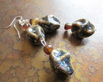 Diving Agate and Glass Beaded Dangle earrings