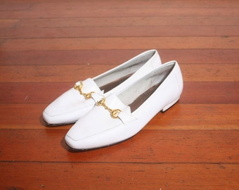 Vintage 1990s White Leather Topazio Buckle Slip On Loafers size 9M