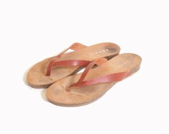 Vintage 1990s Women's Brown Leather Esprit Flip Flop Sandals size 8