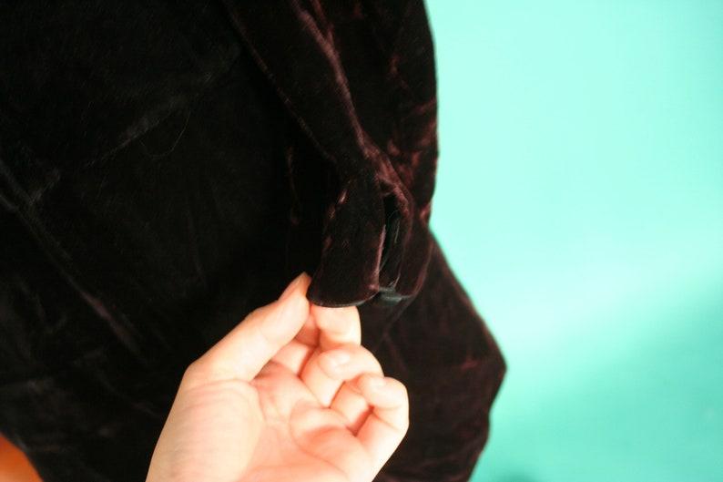 Vintage 1980s 80 Black CRUSHED Velvet Long Sleeve Tiered Skirt Little Black Dress Formal Holiday Designer Maggy London size 8