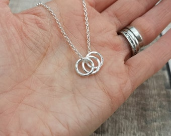 Three Ring Necklace3 Circle NecklaceSterling Silver Three Ring Necklace3 Ring NecklaceCircle Necklace30th GiftSister GiftFriend Gift