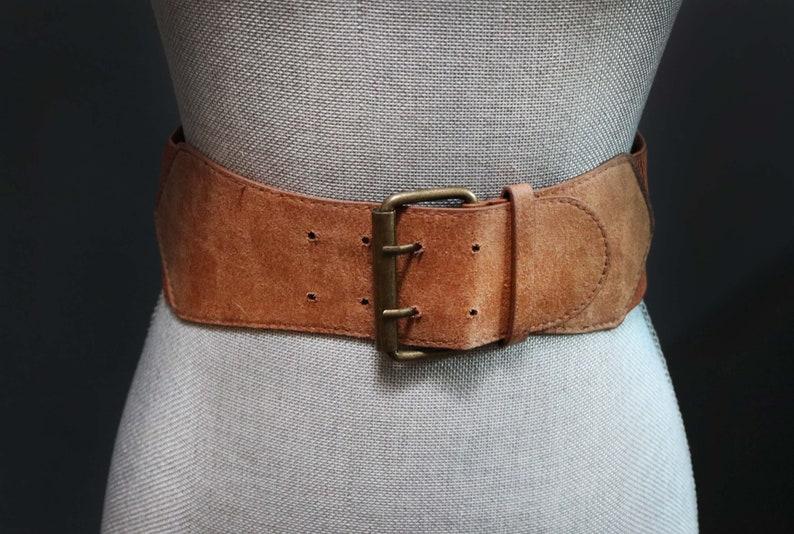 5e76d8138 Vintage Brown Wide Faux Suede Waist Belt w/ Antiqued Brass   Etsy