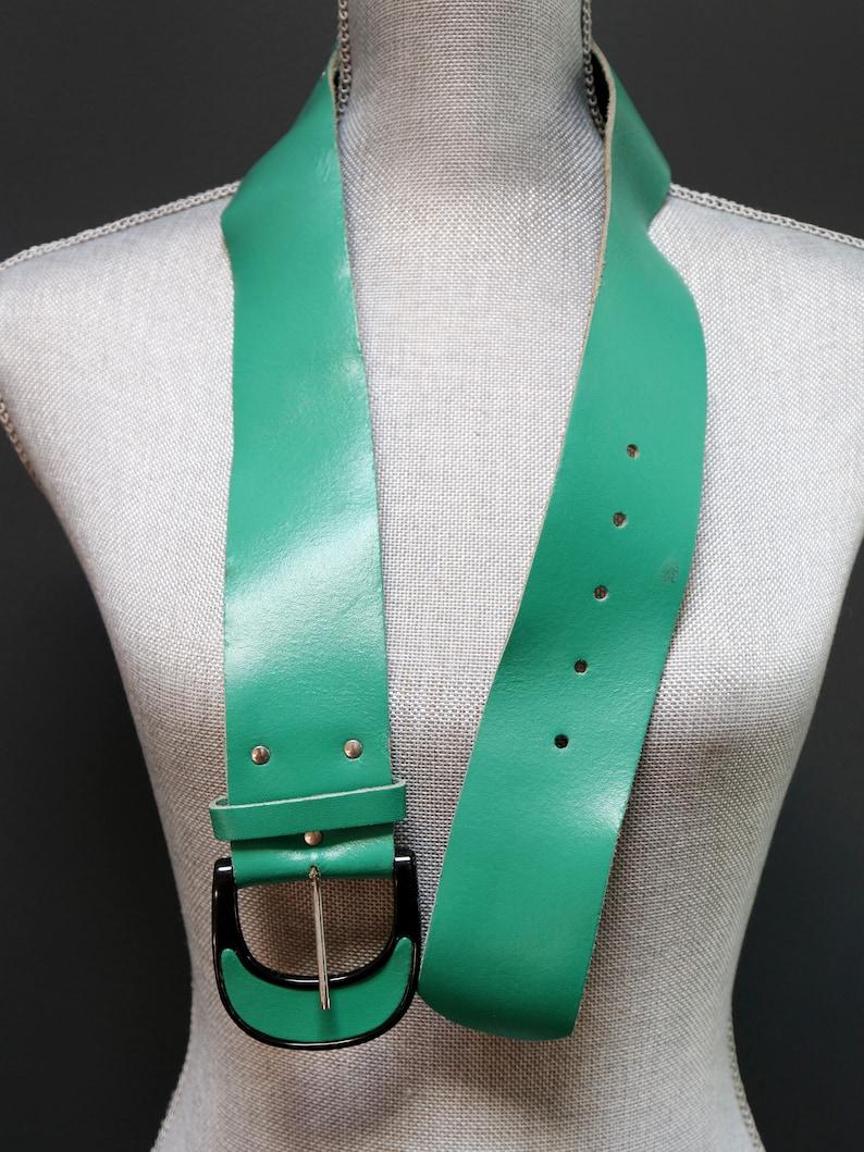 Vintage Emerald Green Leather Belt w Black Covered Buckle Women/'s Medium Large Wide Chunky Cincher Mod Retro Belt