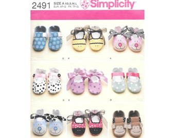 Baby Shoes Slippers Sewing Pattern Simplicity 2491 Booties