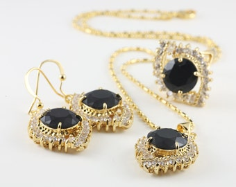 Black And White Vintage Necklace, Earrings And Ring Set, Costume Jewelry